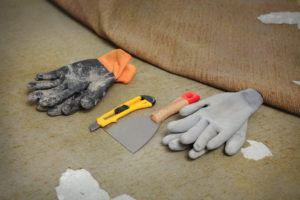 how to remove an old carpet